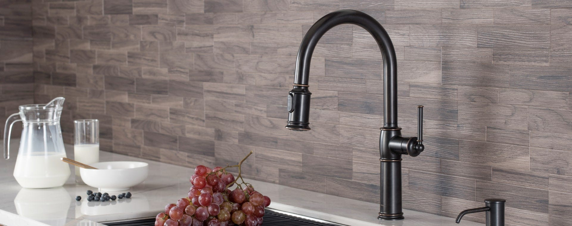 Sellette Traditional Kitchen Faucets