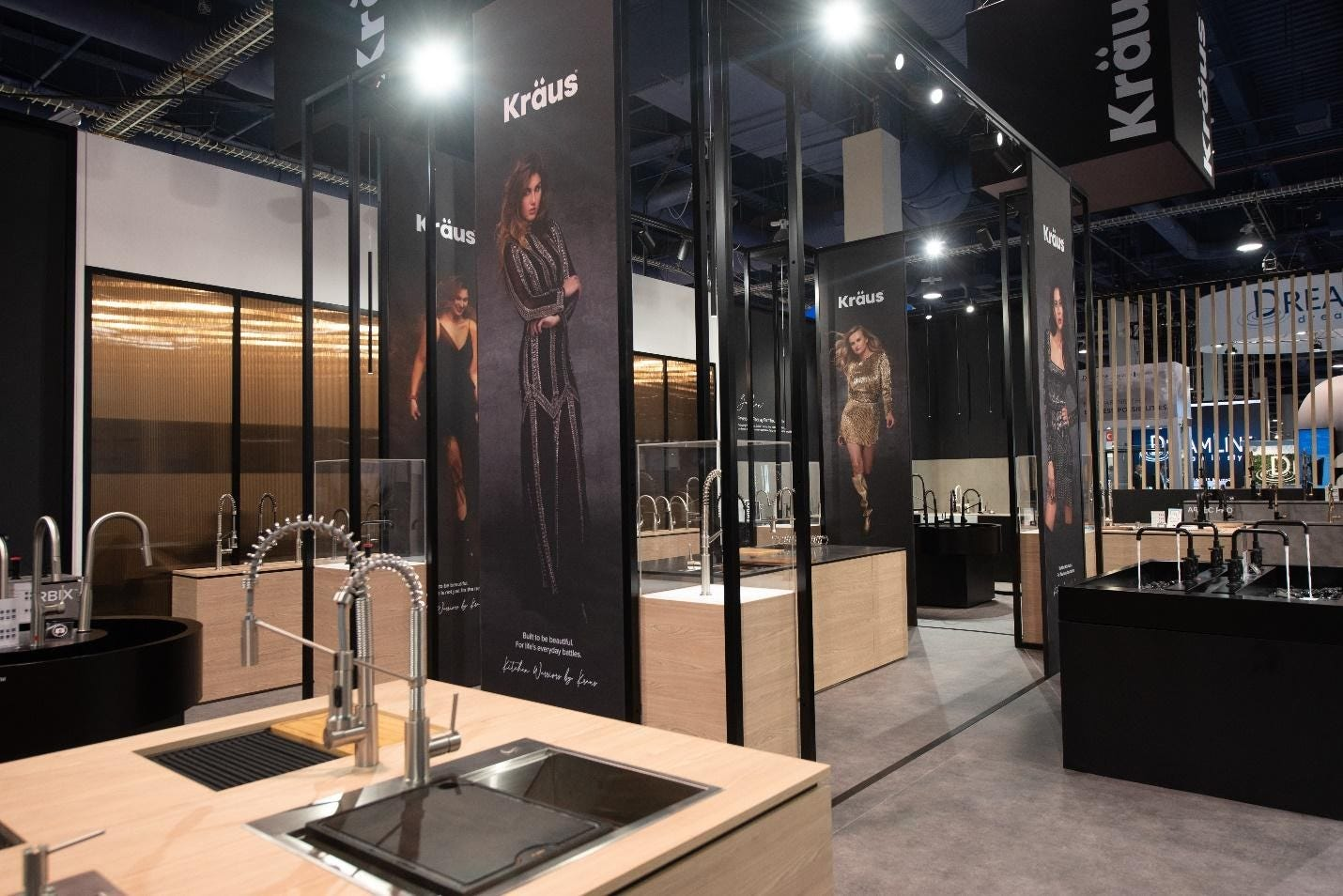kraus-kbis-2020-faucets-in-booth